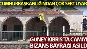 Güney Kıbrıs'ta camiye Bizans bayrağı asıldı