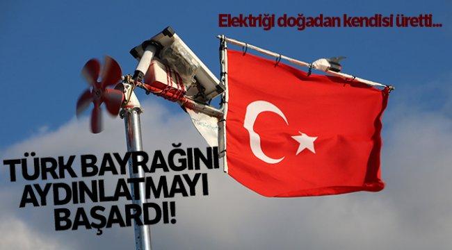 Elektriği doğadan kendisi üretti, Türk bayraklarını aydınlatmayı başardı