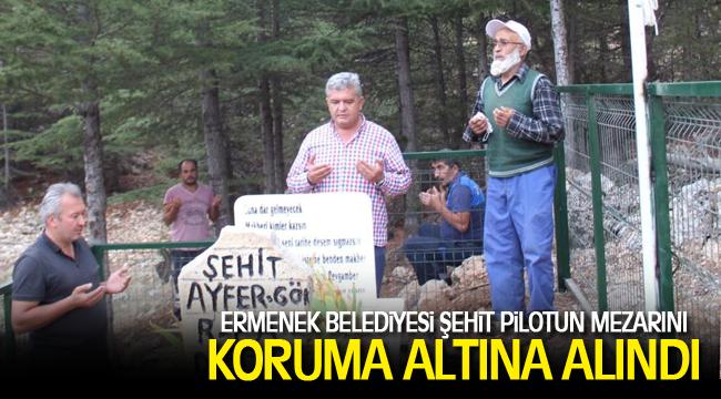 ERMENEK BELEDİYESİ ŞEHİT PİLOTUN MEZARINI KORUMA ALTINA ALINDI