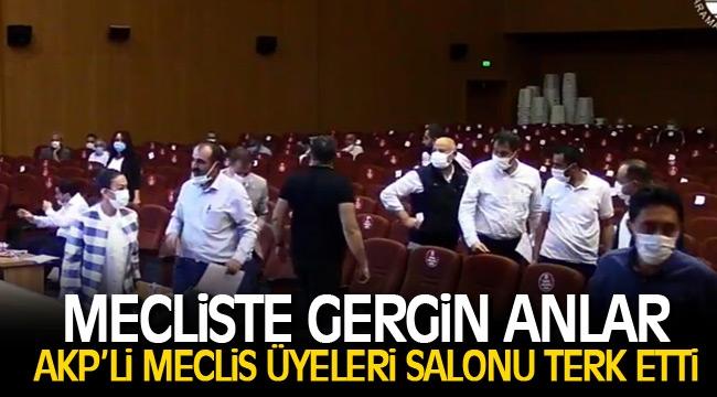 AKP'Lİ MECLİS ÜYELERİ SALONU TERK ETTİ