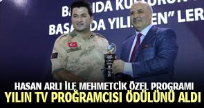 HASAN ARLI YILIN TV PROĞRAMCISI ÖDÜLÜNÜ ALDI