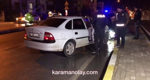 Üst geçitte trafik kazası